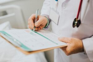 Simplify-your-medical-Spanish-with-these-verbs