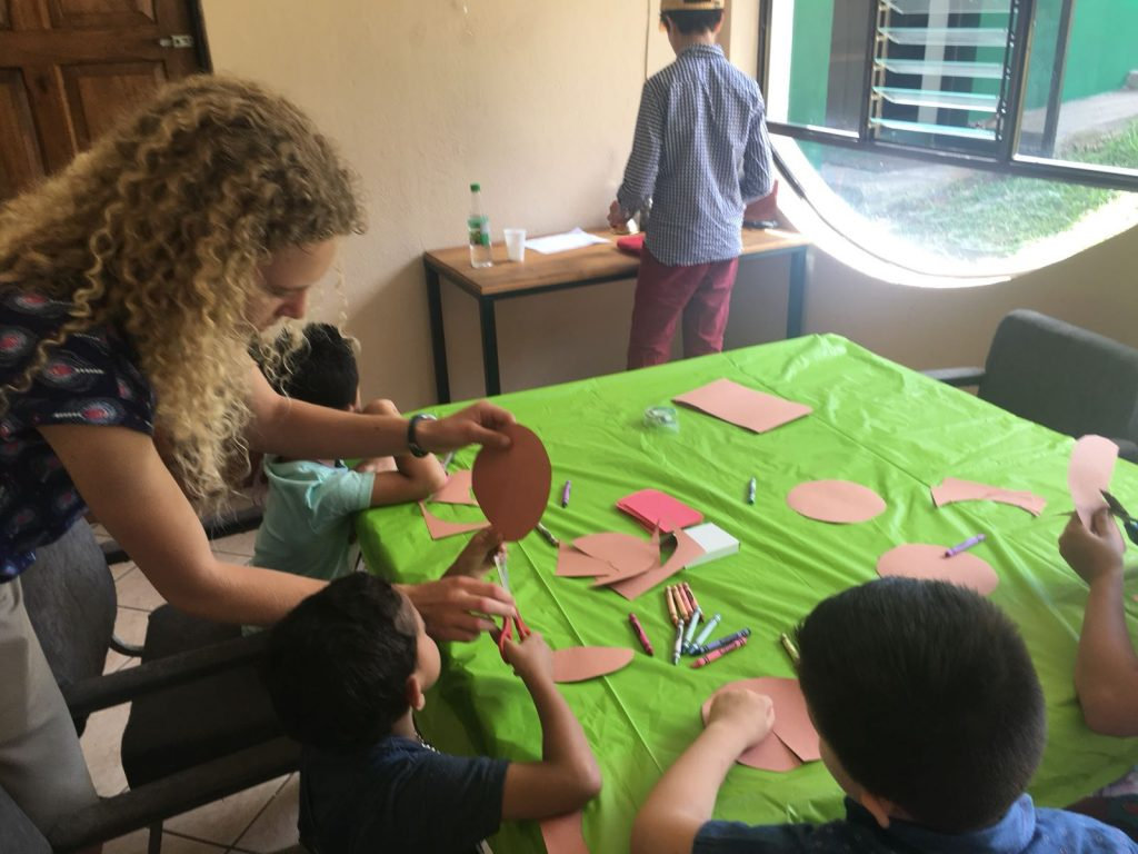 High school Spanish immersion participants doing community service