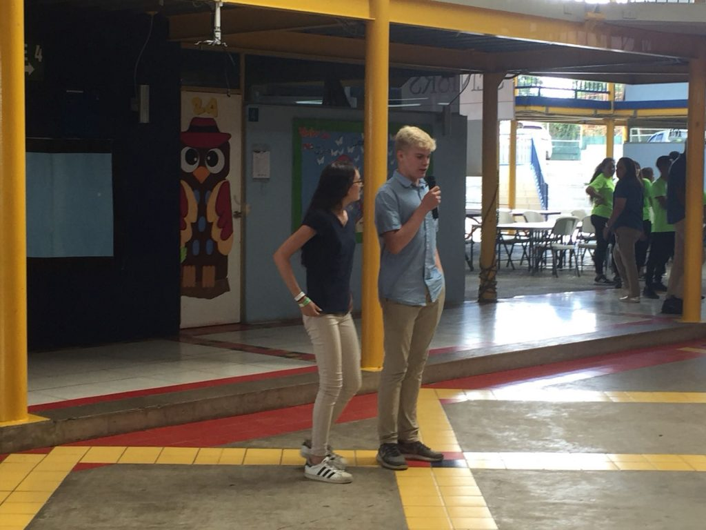 High school immersion participants at a language exchange in Costa Rica